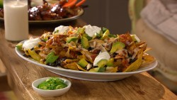 11-18-chicken-black-bean-nachos-mhlb2047